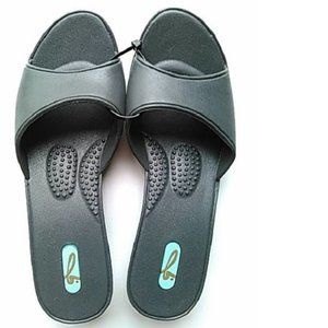 Oka-B Womens Slip on Sandals, Grey, M